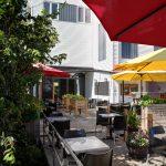 terrasse resto-pub Belles&bum, La Malbaie